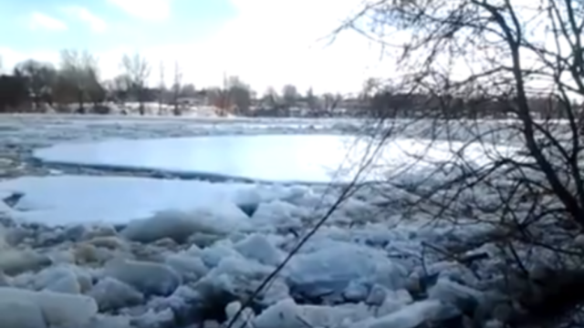 Ice Jam on the Maumee River Breaks Up