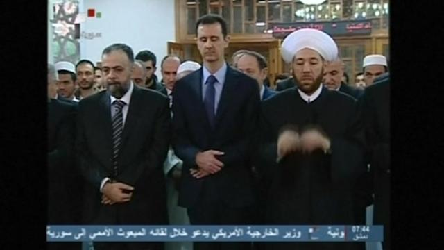 Assad attends Eid prayer at Damascus mosque