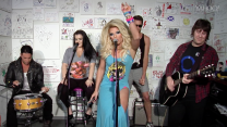 Willam Exclusive Performance: Thick Thighs