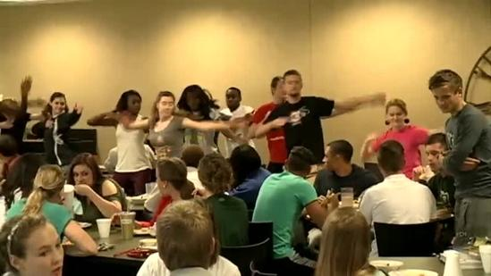 Flash mob breaks out at Belhaven University