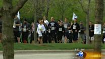 Runners honor fallen Chicago police officers
