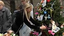 Messages of hope pouring into Newtown, Conn.