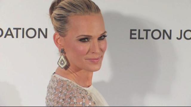 Molly Sims Talks About Struggle to Lose Baby Weight