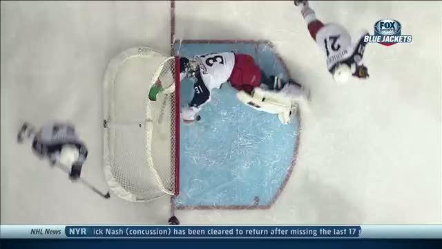 Curtis McElhinney reaches back to rob Gagner