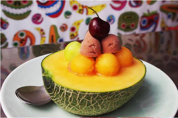 瓜瓜冰以當季水果為食材,天然美味,深受年輕人喜愛。(圖片來源/泰成水果店)
