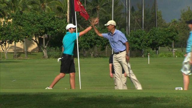Obama golfs in Hawaii: