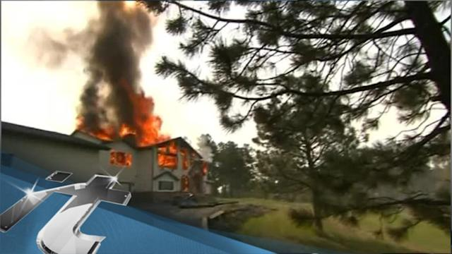 Disaster & Accident Breaking News: Firefighters Hold Line on Colorado Wildfire