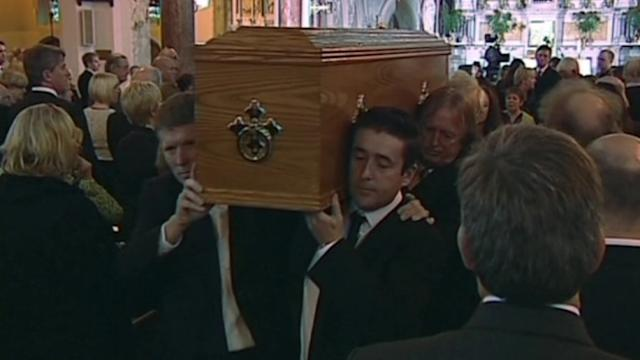 Irish poet Heaney's last words: a text message in Latin, son says at funeral