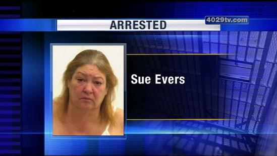 Police: Scammer posed as country singer