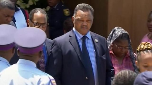 Jesse Jackson pays his respects at Nelson Mandela viewing