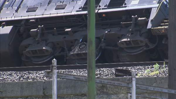Metra train delays on SouthWest Service line continue past PM rush hour due to freight train derailment