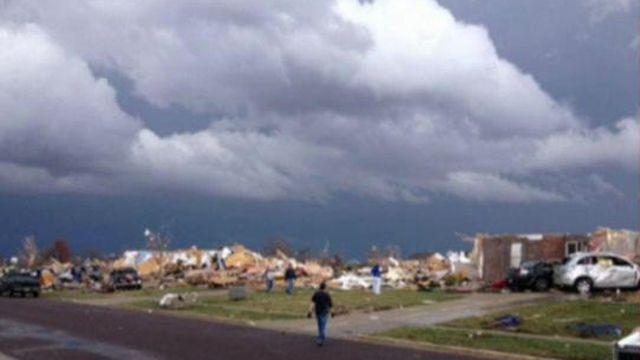 Tornadoes strike Illinois