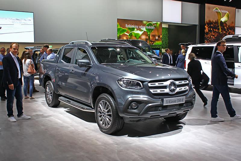 終於親眼見著Mercedes-Benz X-Class的本尊了,實車觀感比想像中來得更為緊緻。