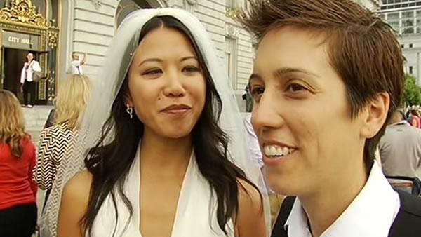 Gay marriage supporters celebrate Prop 8 decision
