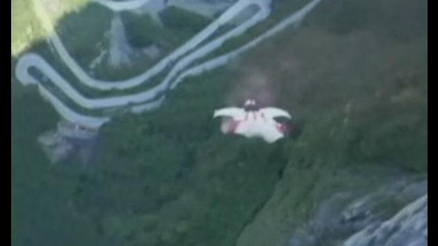 Veteran wingsuit jumper dies in horrible accident