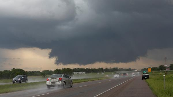 Tornadoes touch down in Oklahoma, Arkansas