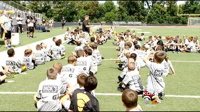 Steelers Pass On Football Knowledge At Youth Camp