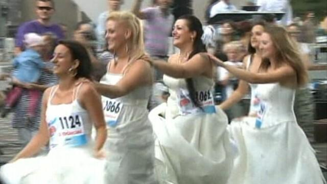 Serbian Brides-to-Be Race For Free Wedding