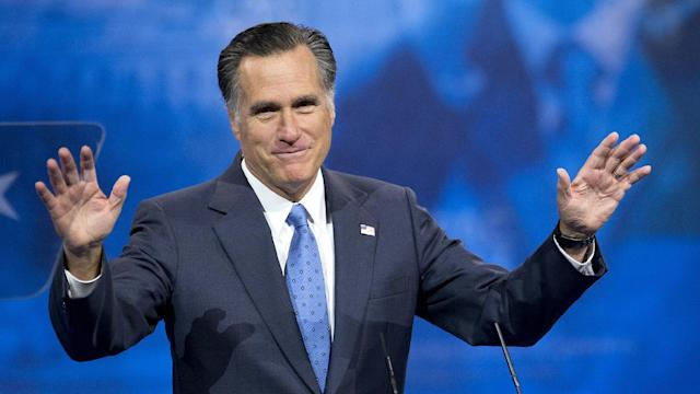 Mitt Romney Laps 2016 GOP Field In New Hampshire